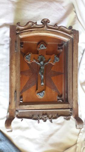 Antiguo Retablo De Madera Cedro Y Crucifijo(tienda Fisica)
