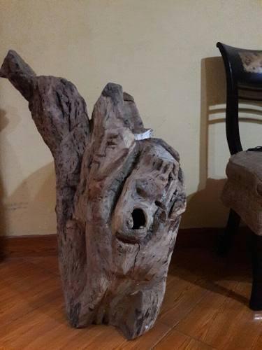 Remato Esta Escultura Rara Impresionante De Madera S/.300