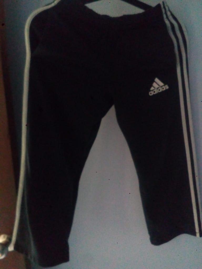 Buzo Adidas Original 9/10Y Talla M Estado 9/10 Niños