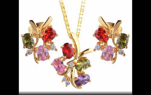 Set De Collar Y Aretes Bañados En Oro 18k