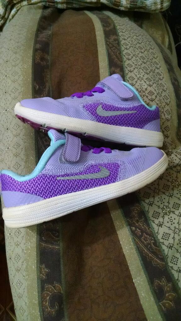 Zapatillas Nike de Niña Talla 26 en 8pts
