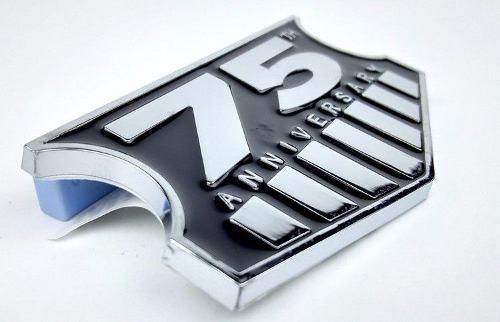 Emblema Cromado 75 Aniversario Para Camionetas Jeep