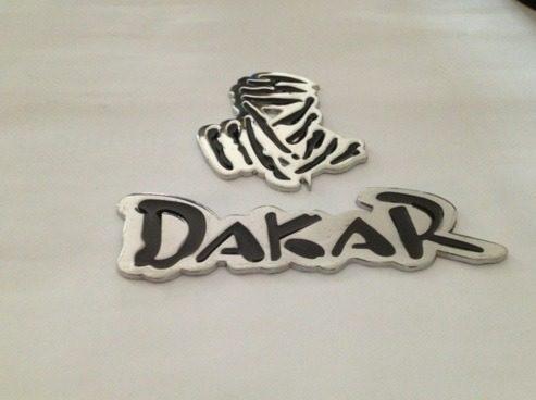 Emblema Cromado Paris Dakar Para Camionetas Jeep