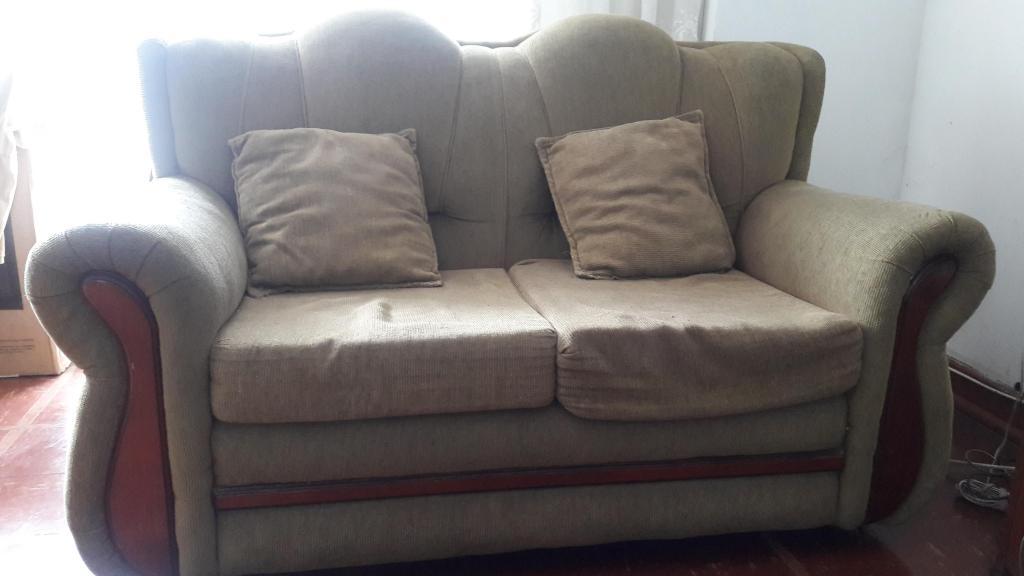 Mueble de 2 cuerpos usado color beige