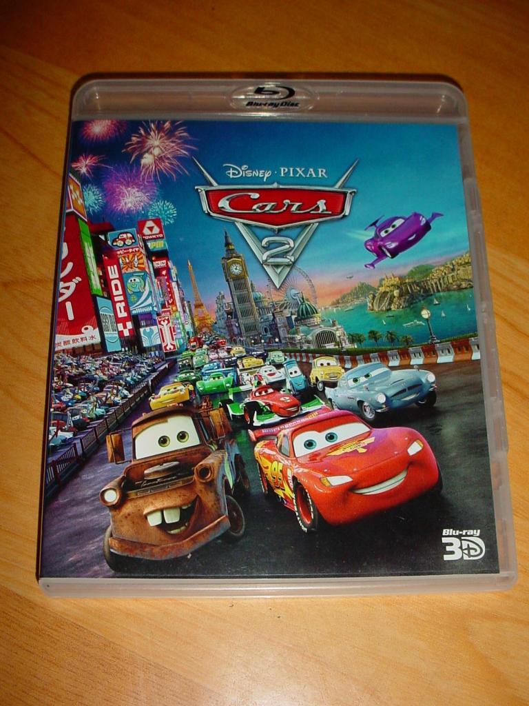 Disco Blu Ray Cars 2 en 3D Disney Pixar vendo o cambio