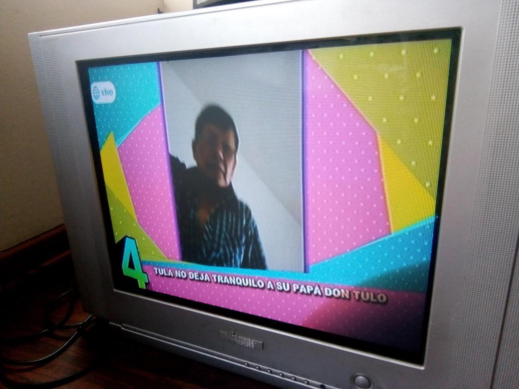 TV HITECH 21 OPERATIVO EN BUEN ESTADO NEGOCIABLE