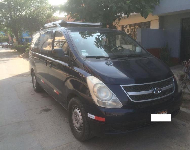 Alquiler de Minivan Hyundai H1 por día