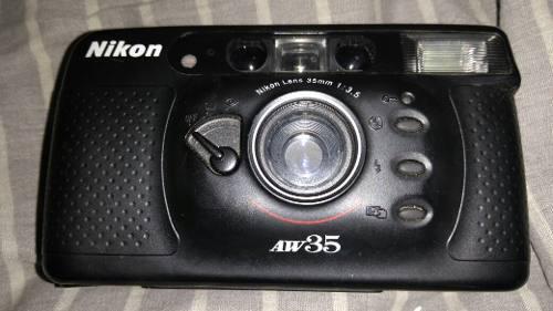 Cámara Fotográfica Nikon Aw35 Con Rollo