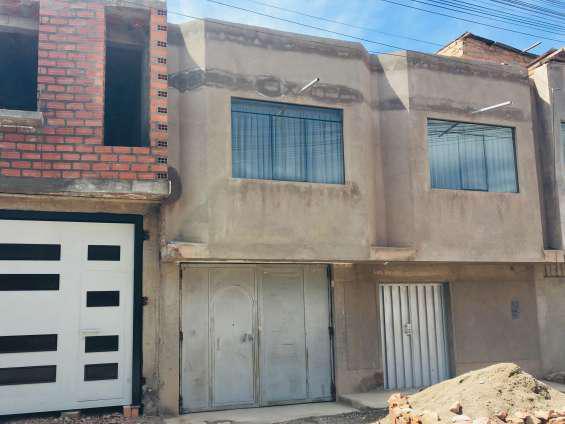 Se vende una casa de 2 pisos salida arequipa juliaca en