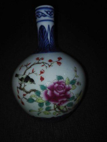 Hermosa Porcelana China Urraca Y Florero Pintado A Mano