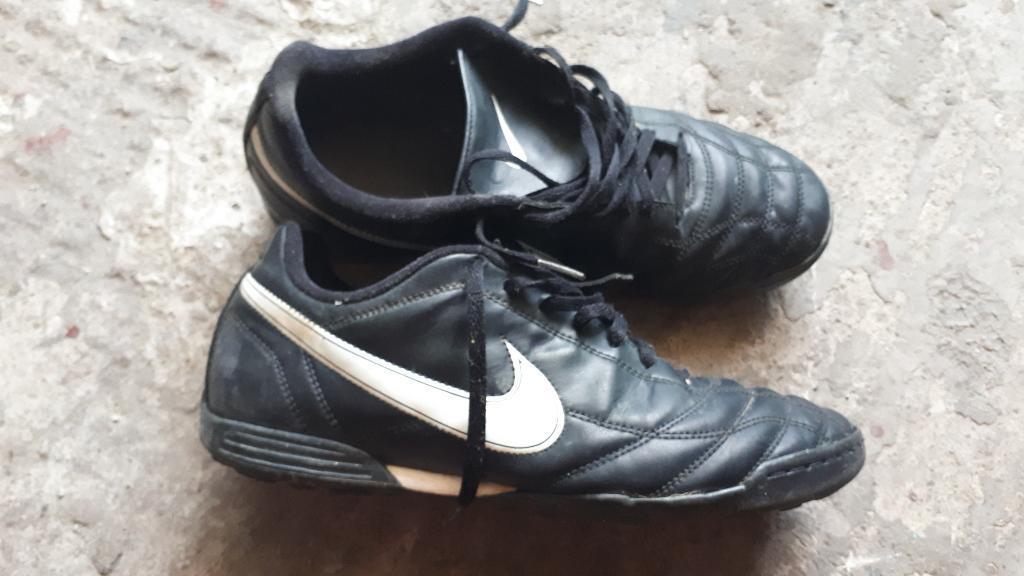 Zapatilla Futbol Nike Talla 43