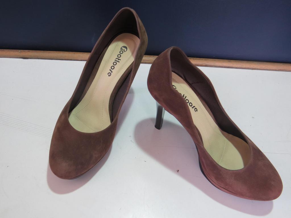 Zapato de Mujer Color Marron Tipo Gamuza