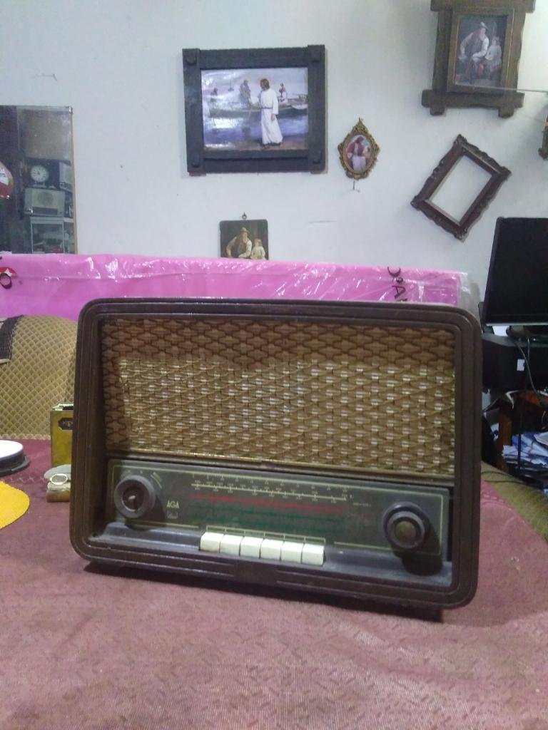 Radio Antigua a Tubos Marca Aga Sueca