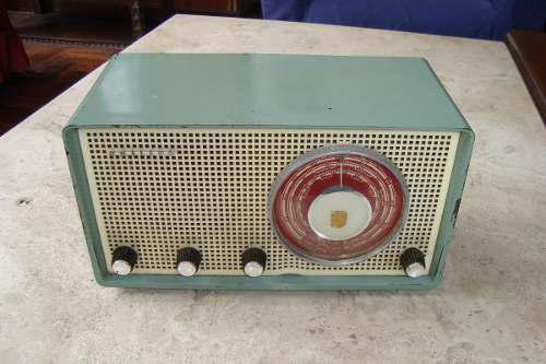 Antigua Radio Philips 1965