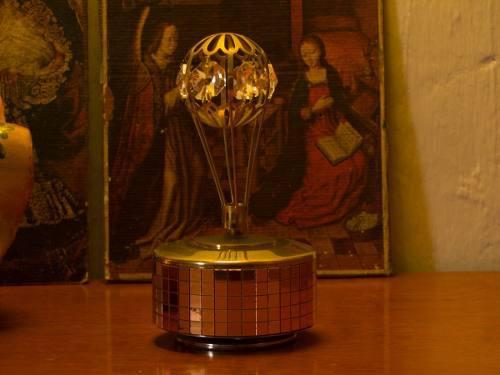 Caja Musical Con Cristal Swarovski Chapado En Oro S/ 110