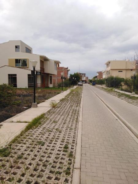 Se Vende Terreno En Exclusivo Condominio Miraflores Country