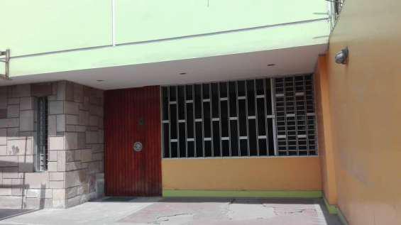 Remato hermosa casa en la molina en Lima