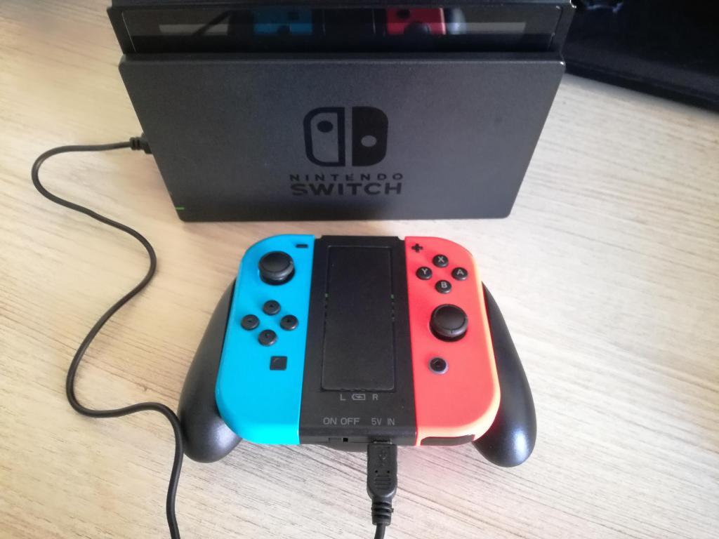 Nintendo Switch Grip Cargador Joycon Batería Interna