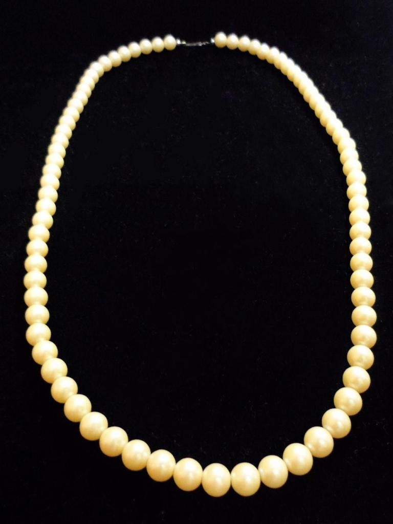 Collar con Perlas de Fantasía para Mujer /NUEVO