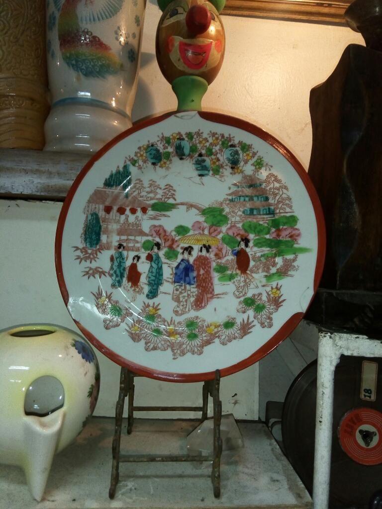 Plato Decorativo Oriental Pintado a Mano
