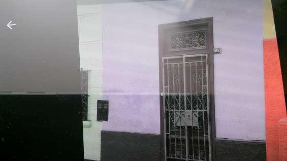 Vendo casa antigua como terreno en pueblo libre en Lima