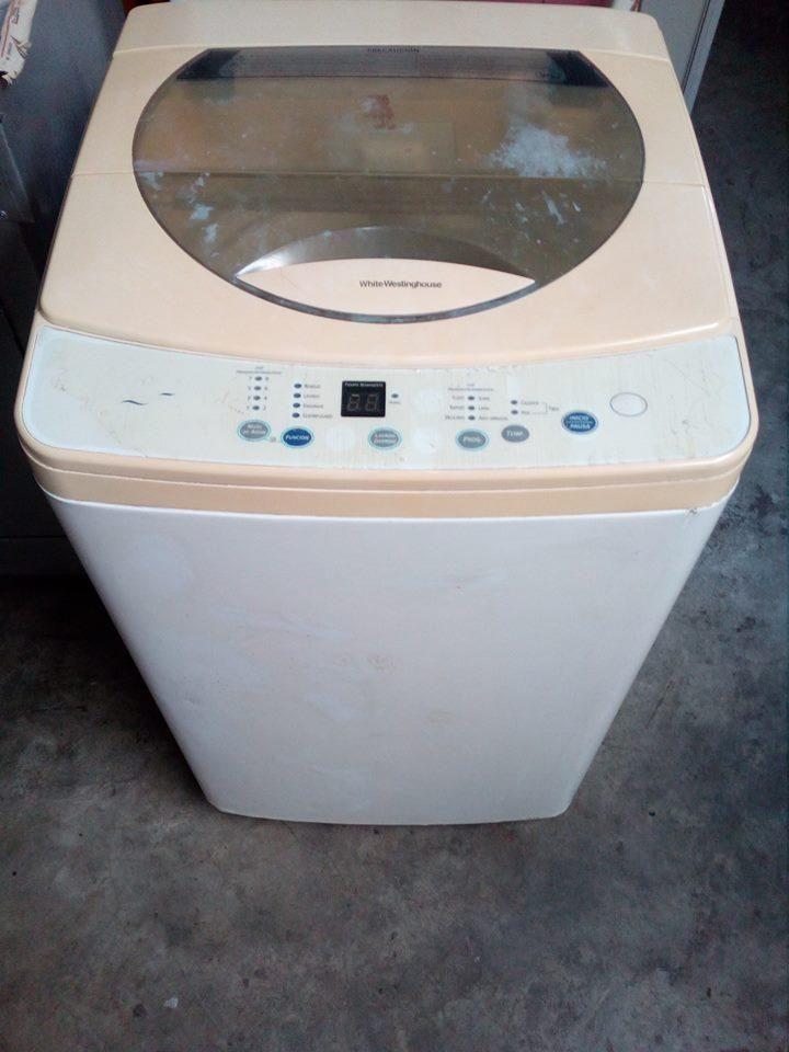 se vende una lavadora en buen estado