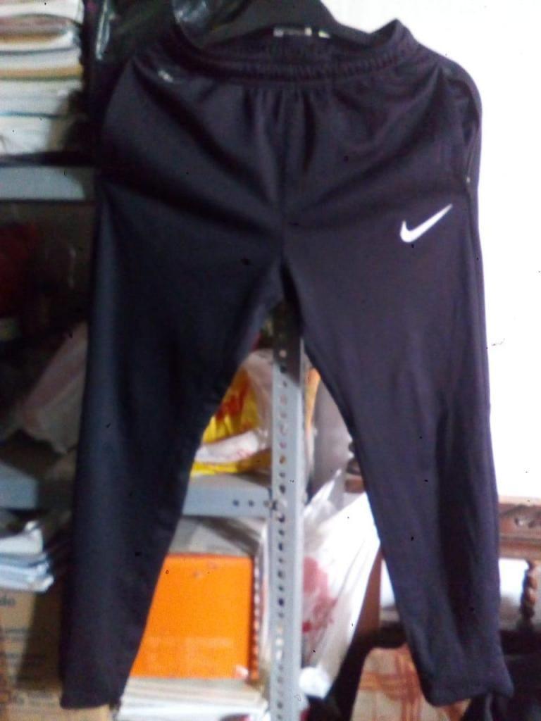 Buzo Nike Original Remato talla S Estado 9/10