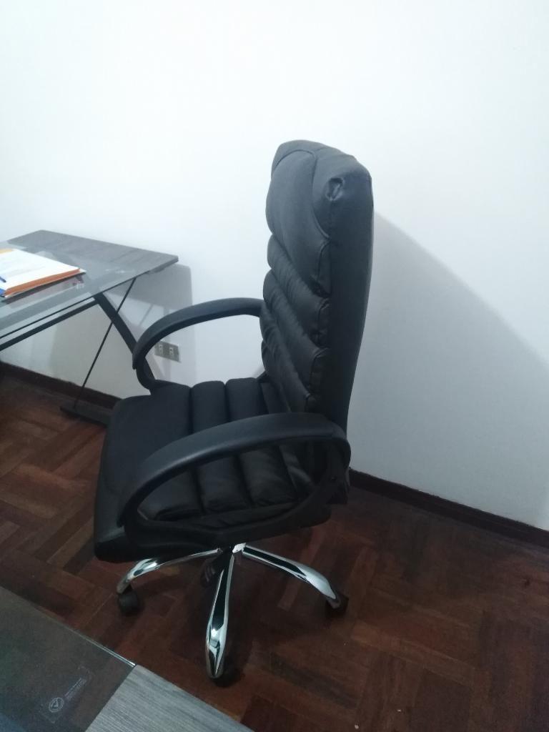 Silla Y Escritorio de Oficina