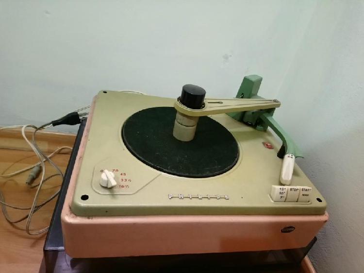 Antiguo Tocadiscos Philips con Mueble