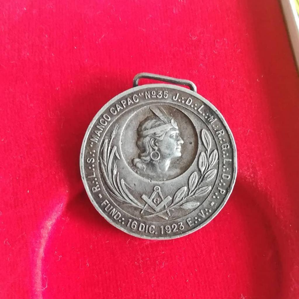 Antigua Medalla Masónica Plateada