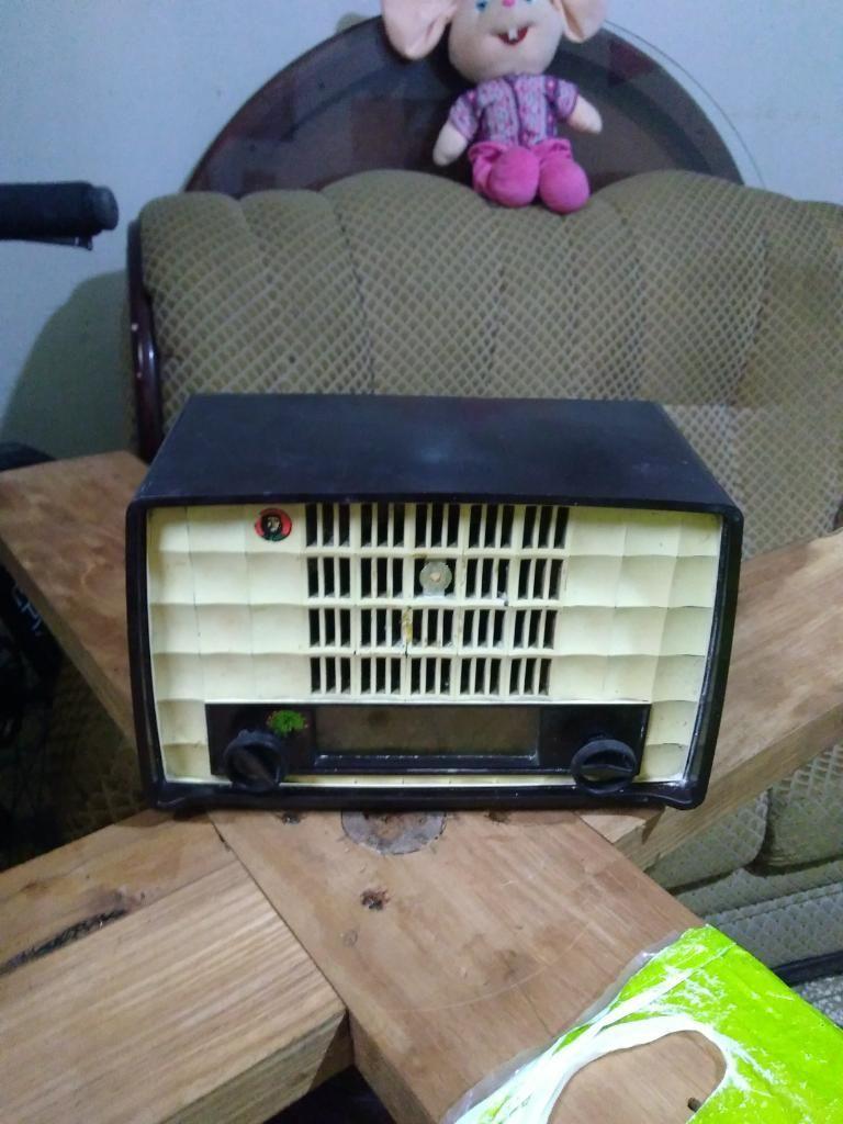 Radio Philips Antigua a Tubos Decorativa