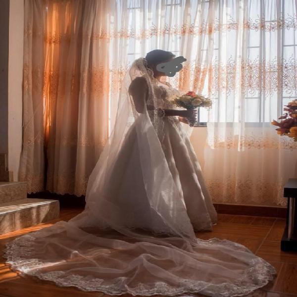Vestido de Novia, Talla S, Color Ivory