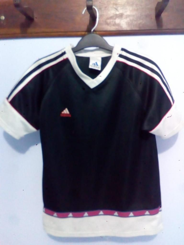 Polo Adidas Original Talla S/M Estado 9/10