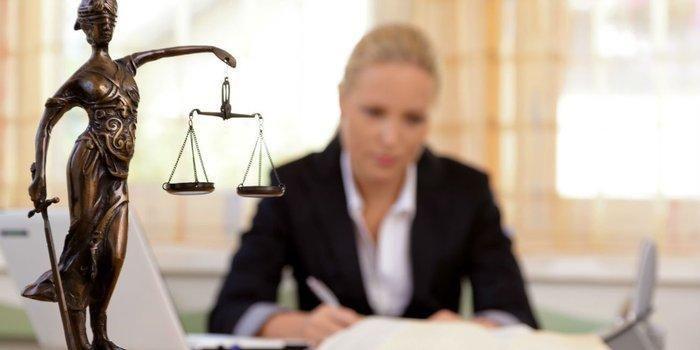 alquilo oficina para abogado en Estudio Juridico.