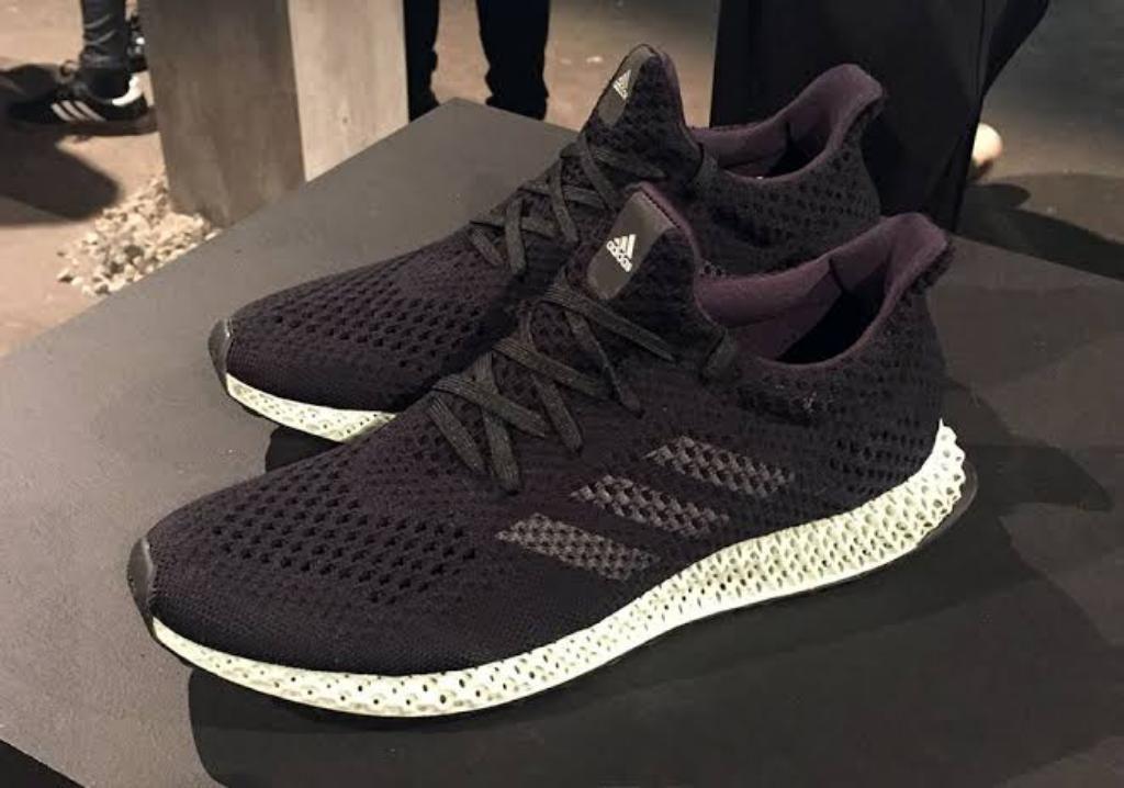 Zapatillas Adidas. Talla 42