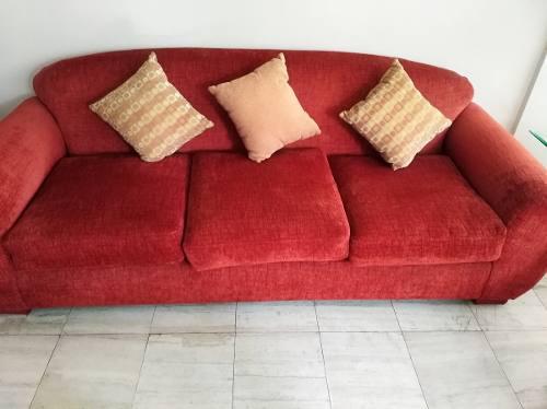 Venta De Muebles De Sala De Tres Cuerpos Con Cojines Y Puff
