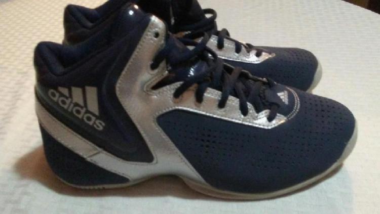 Zapatilla botin nueva marca Adidas
