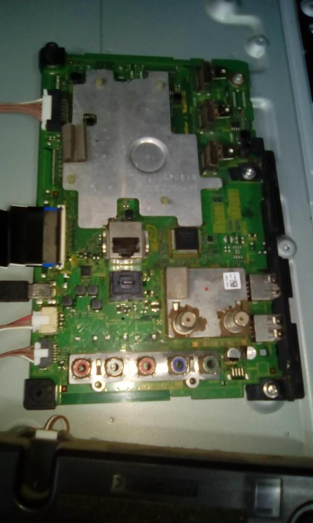 MAIN DE TV PANASONIC TC L42E6L
