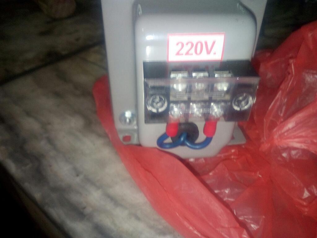 Transformador de 220 a 12 Y 24 Voltios