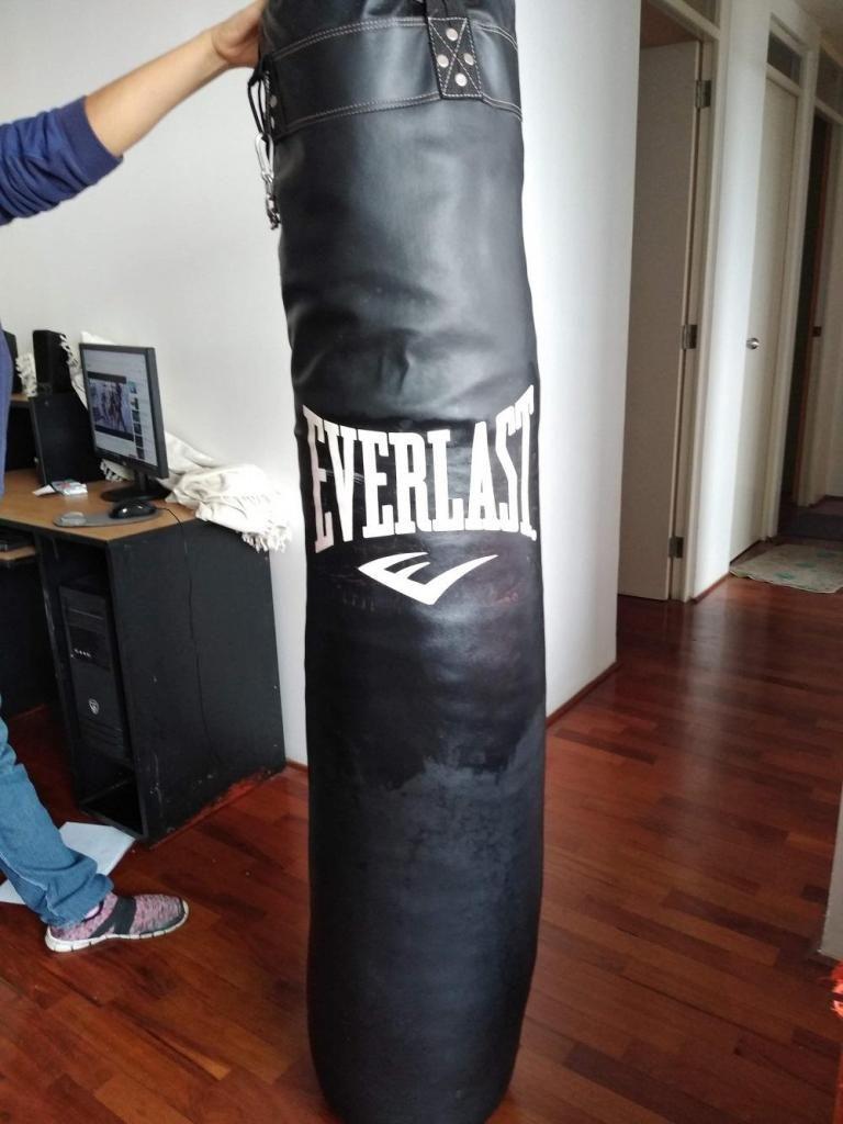 Remato saco de boxeo y muay thai