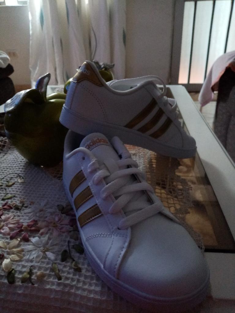 Vendo Zapatillas Adidas Talla 35 Origina