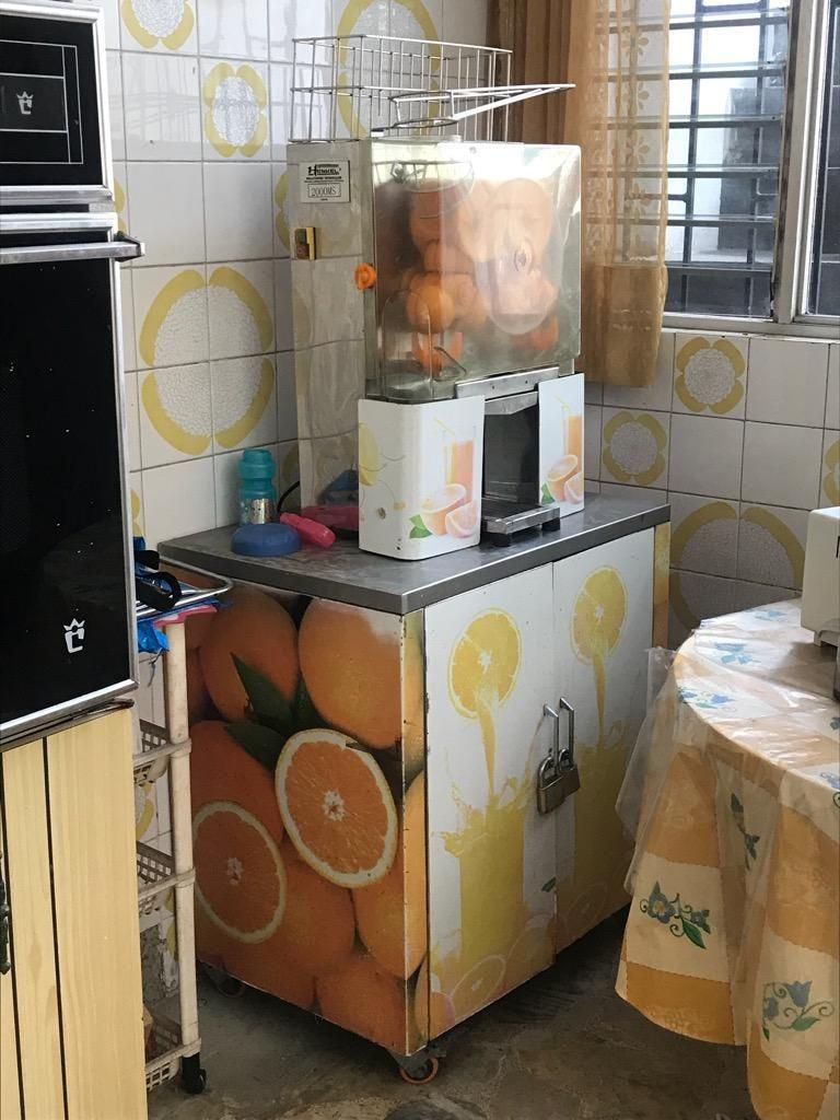 Exprimidor de Naranja con Mueble de Acer