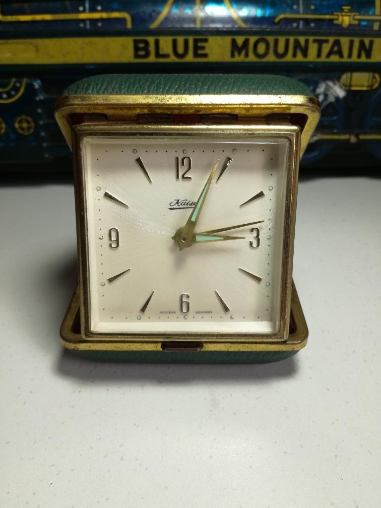 Antiguo Reloj a Cuerda Aleman Ok