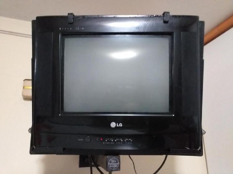 Vendo Televisor de 14 Pulgadas en Buen