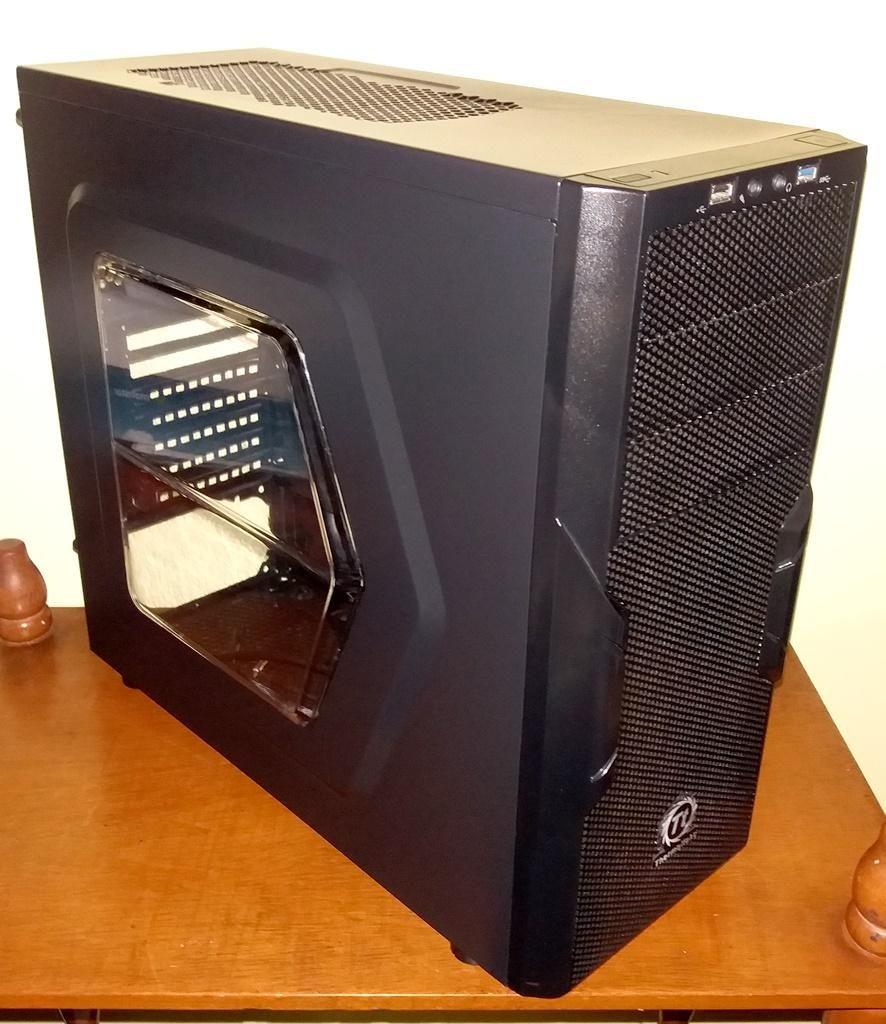CASE PC Gabinete THERMALTAKE VERSA H22, USB 3.0 GAMER. CASI