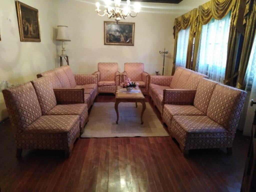 juego de sofá tallado