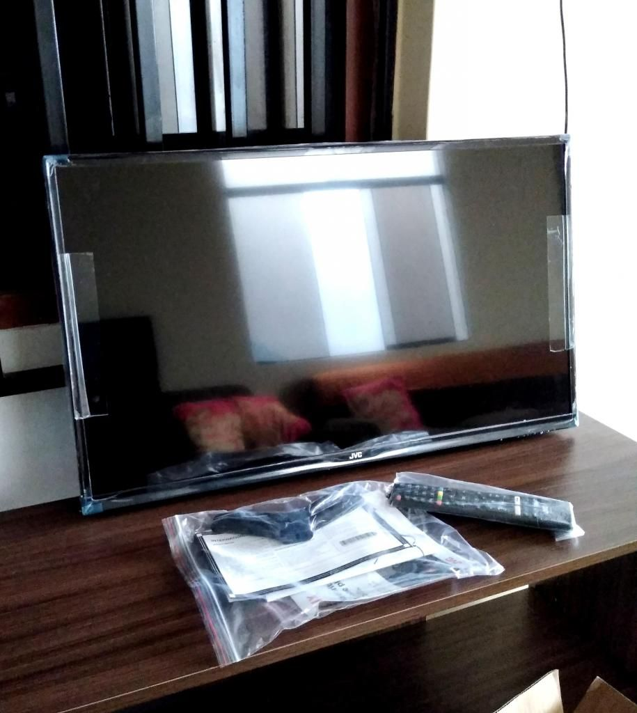 """REMATO POR MUDANZA HD LED SMART TV 32"""" JVC NUEVO EN CAJA"""