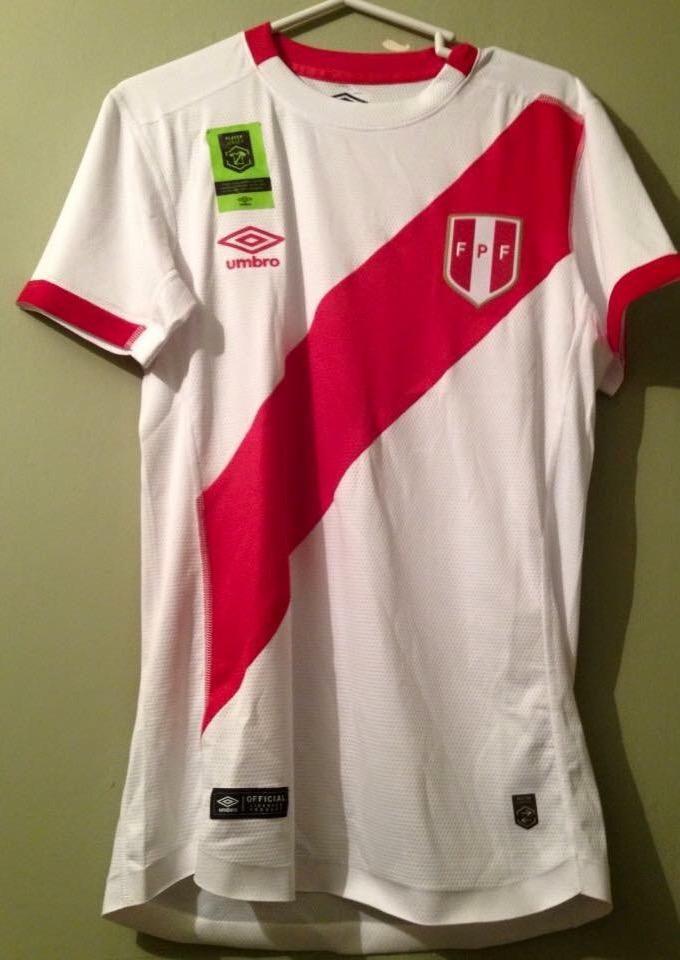 Camiseta S. Peruana  Talla M Umbro