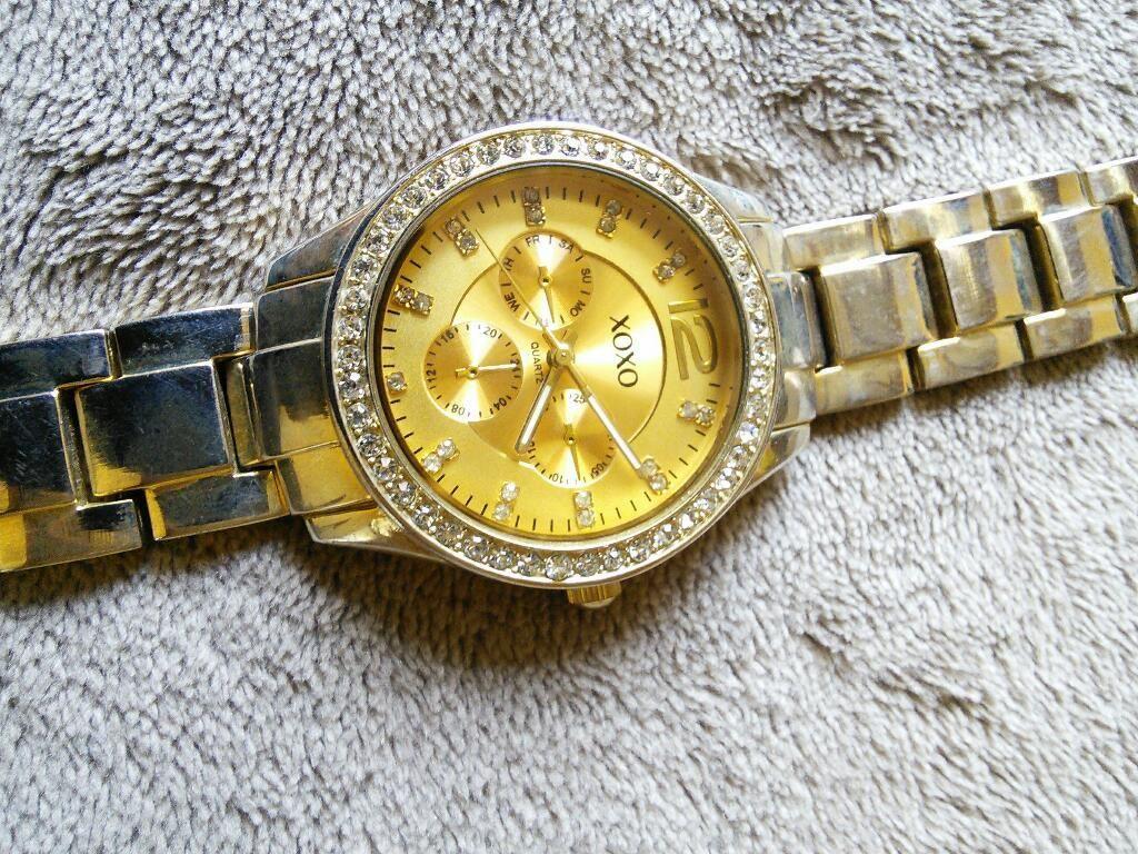 Reloj de Mujer Xoxo Dorado Buen Estado