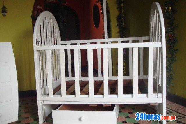 Remato juego de dormitorio de bebe en perfecto estado
